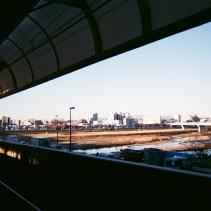 乗り換え駅の二子玉川駅では富士山が見える。
