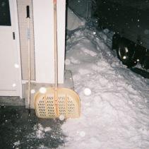 スコップと雪割りくん