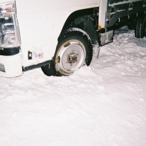 小西さんの朝、雪が多くてトラックが出ない。