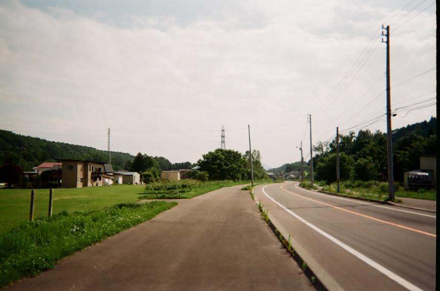 赤川近くの道沿い